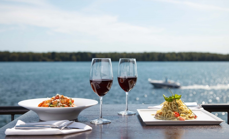 Full_Res_FP_Niagara_Food-Waterside